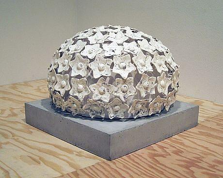 KIM DICKEY, SCHNEEBALLEN glazed  terracotta