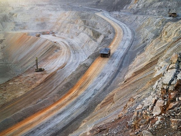 LUCAS FOGLIA, FRONTCOUNTRY SURFACE MINING, NEWMONT MINING CORPORATION, CARLIN, NEVADA Ed.8 digital C-print on Fuji Crystal Archive paper